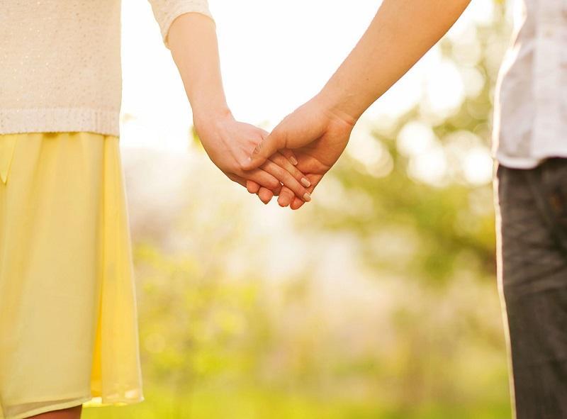 Как читать заговор в полнолуние на любовь мужчины
